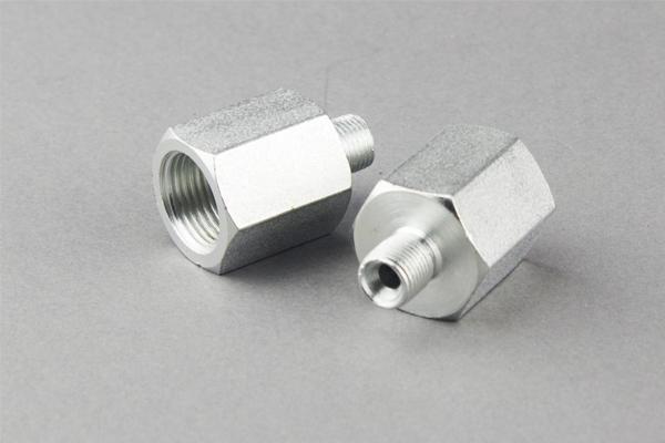 Britų standartiniai žarnų adapteriai